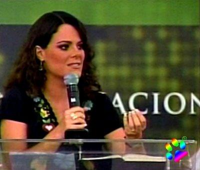 Ana Paula  Valadão  no 9º congresso de Louvoe e Adoração